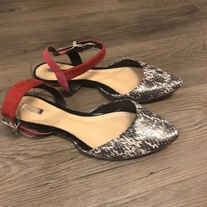 Pointed Toe Snake Skin & Pink Leather Insole